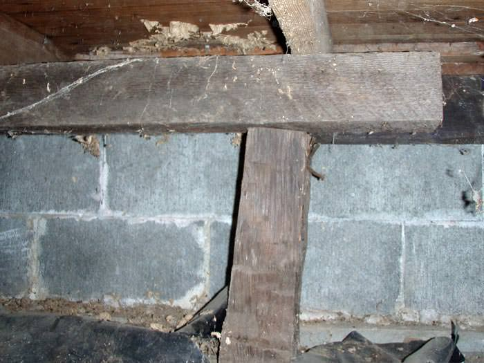 Repairing sagging floor joists girders in your crawl for Wood crawl space foundation