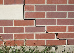 a foundation wall crack on a Irmo home.